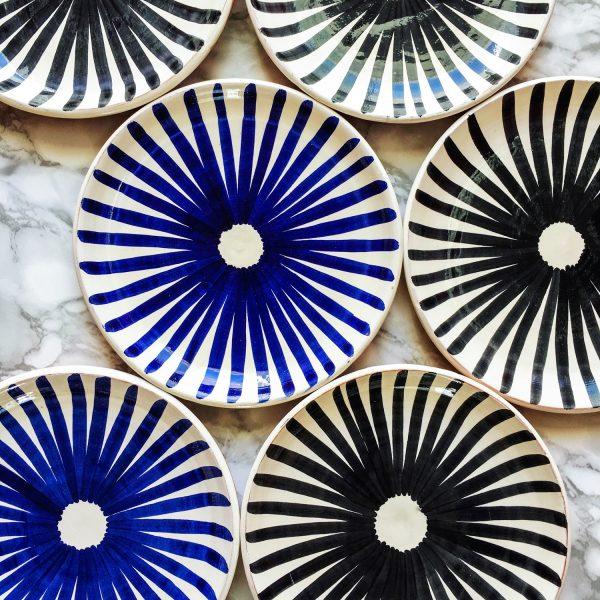 Dessert plate ray pattern